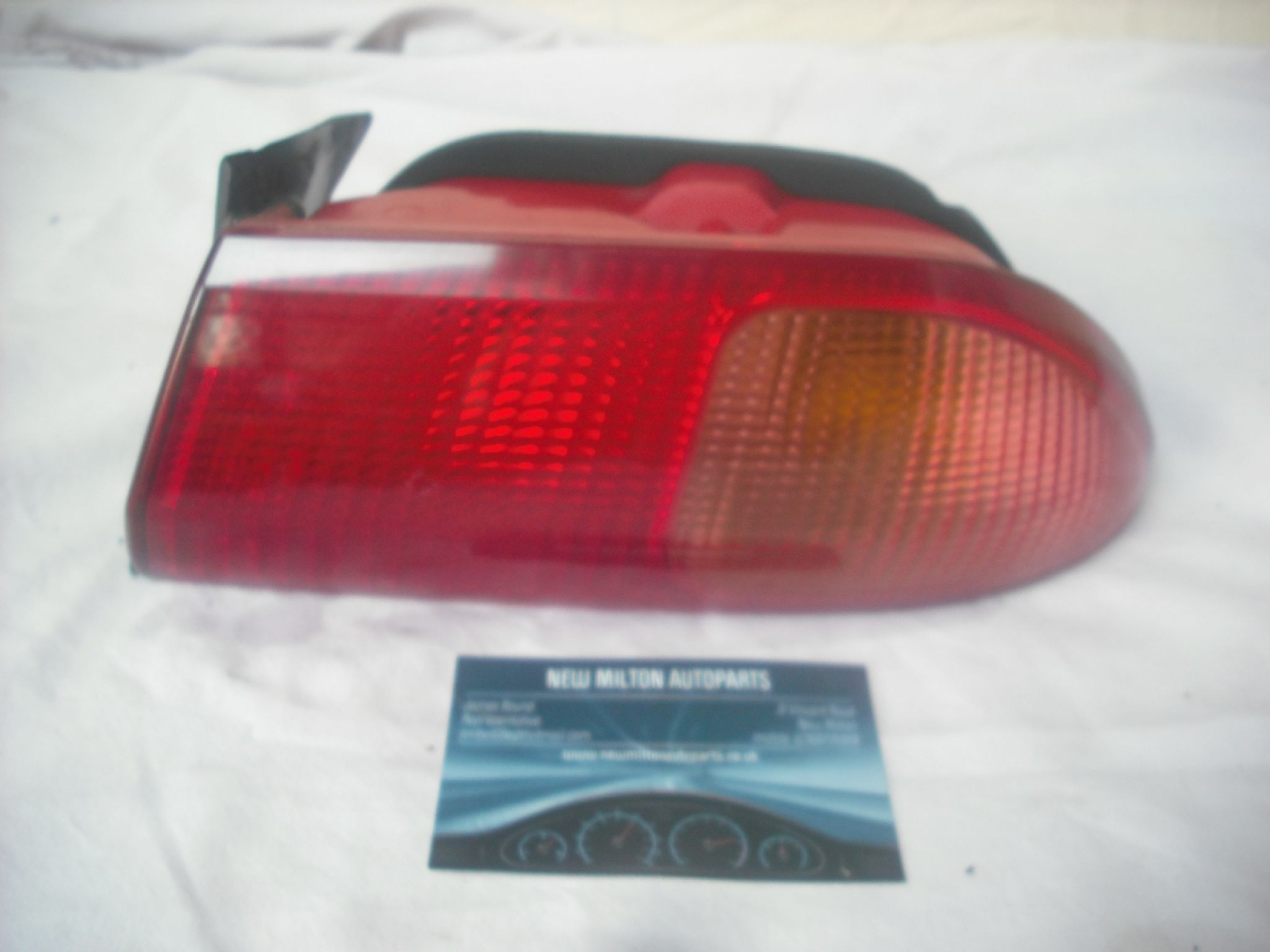 Ford Focus Mk1 1998-2005 Saloon Rear Tail Light Lamp O//S Drivers Right